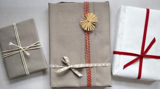 a-noel-cousez-vos-paquets-cadeaux-6814534