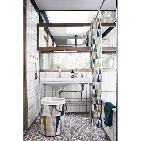 salle-de-bain-blanche-decoree